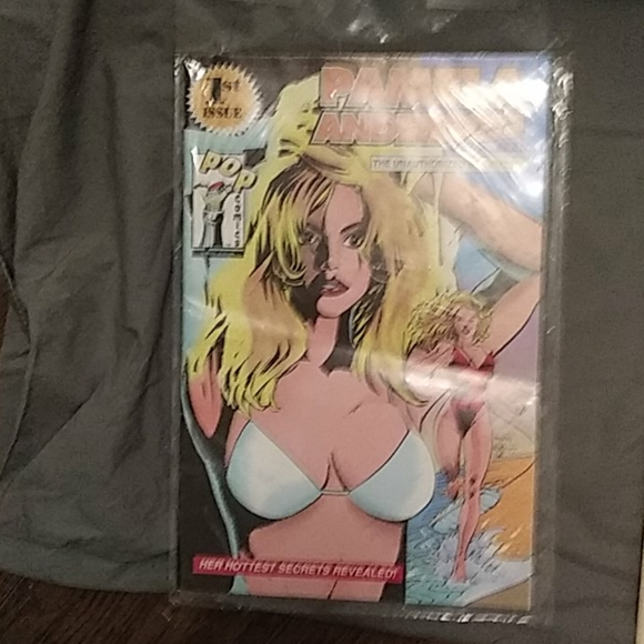 Other - Pamela anderson comic
